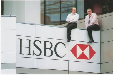 This amused me that these chaps got a balcony view from the roof of the HSBC on Queen St. Nice way to spend lunchtime...