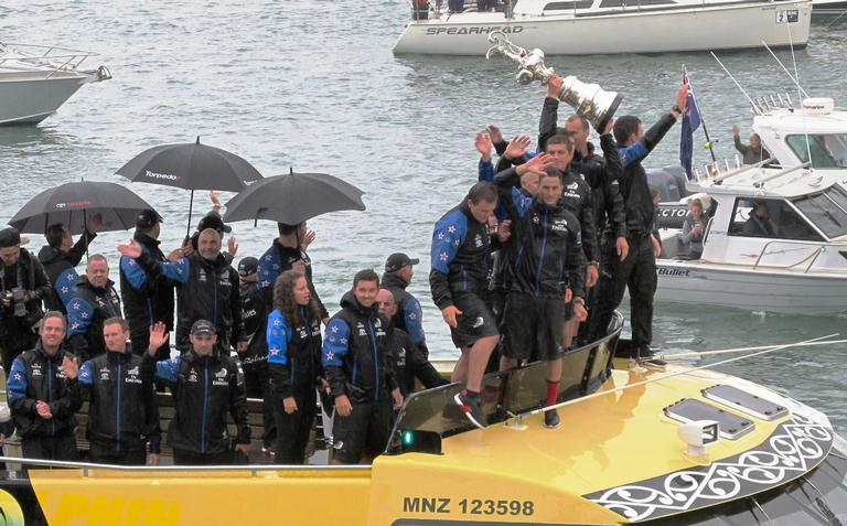 Team NZ victory parade in Auckland