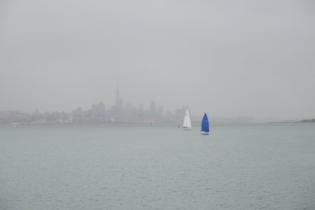 Xueweihe Xueweihe;The drizzling rain curtained the Auckland.